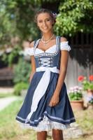 Dirndl Tamilla Blauw Luxe (55cm) (sfeerbeeld)