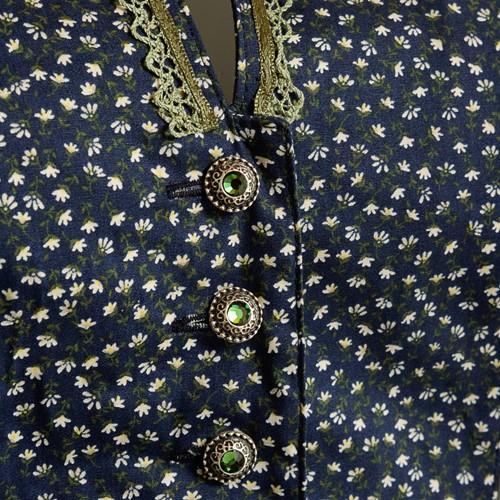 Dirndl Cetina Blauw-Groen Luxe (65cm) (detail midden)
